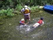 カヌー支流 水遊び